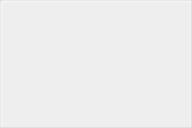 靚芒 + 金屬風!Sony Xperia P 實機直擊-11
