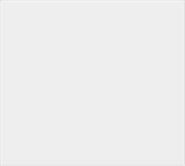 方正有型的 Sony Xperia XA3 突然現身:360 度影片無死角! - 10