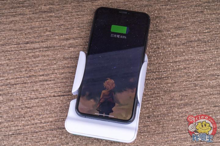 可充電可拍照:Adonit PhotoGrip 無線充電拍照握把開箱分享 - 11