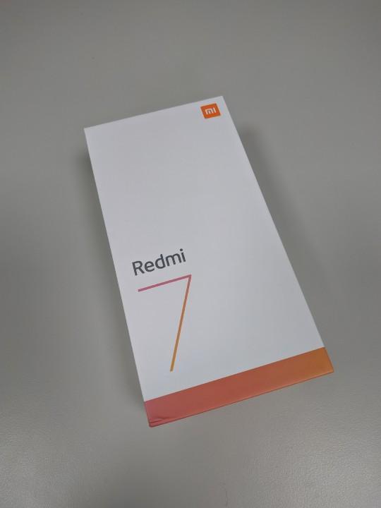 Redmi 7/紅米7 開箱 : 超強續航,簡約實用 - 1