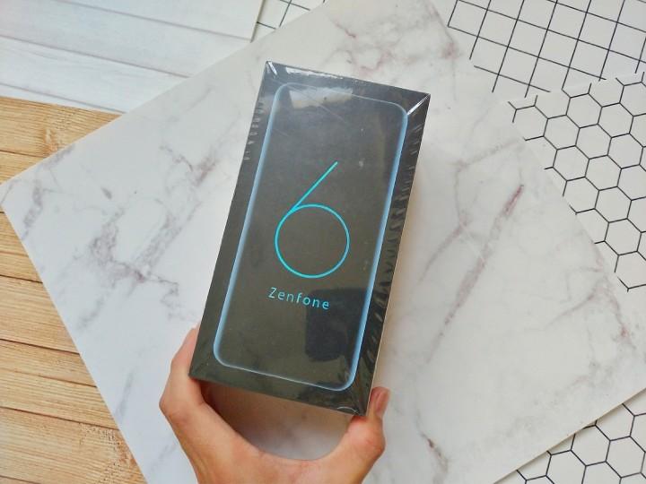 ZenFone 6彩盒.jpg