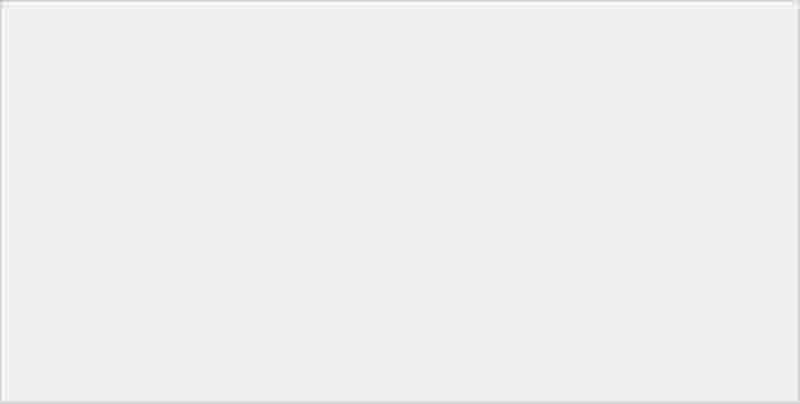 三星在 Unpacked 發表會上預覽 Z Fold 2,宣佈繼續與 Thom Browne 合作 - 3
