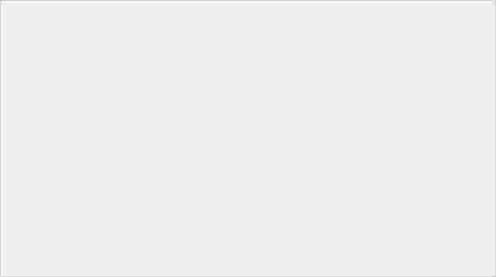 三星在 Unpacked 發表會上預覽 Z Fold 2,宣佈繼續與 Thom Browne 合作 - 4