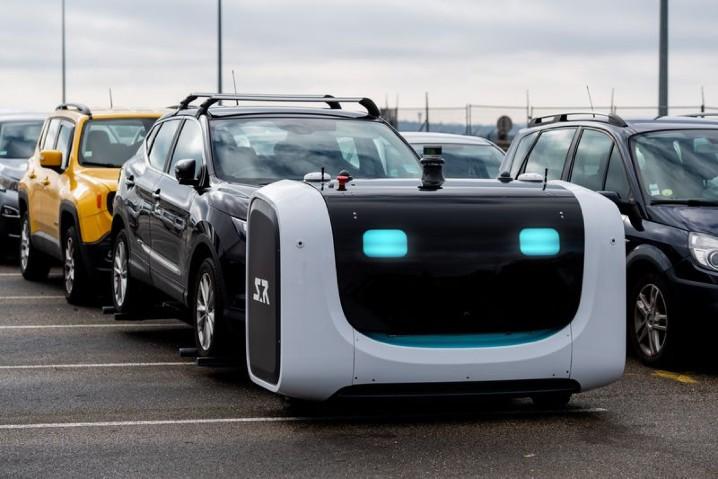 停放車輛更有效率,法國機場正式啟用自動泊車機器人 - 2